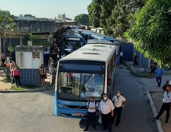 Imagem de ES: Sindicato dos Rodoviários intensifica protestos pelo retorno dos cobradores ao transporte em Vitória