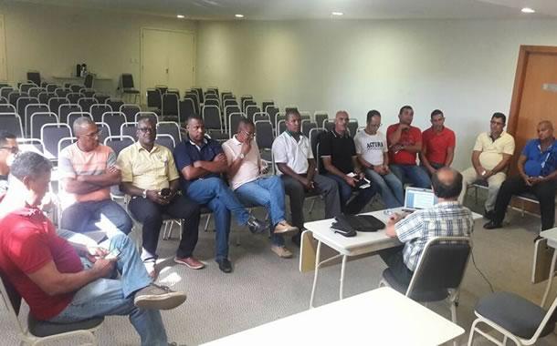 Imagem de Bahia: Rodoviários debatem pagamento de PLR com patrões