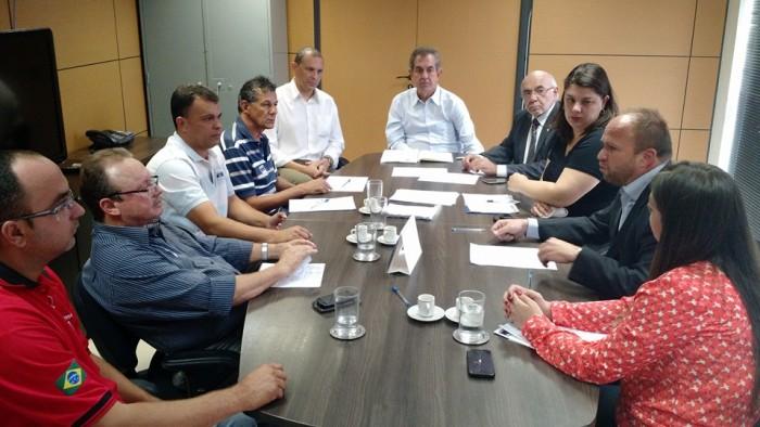 Imagem de Brasília: Após protesto promovido pela CNTTL/CUT, governo do DF se reúne com rodoviários e promete mais segurança