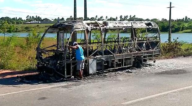 Imagem de Natal: Onda de violência faz rodoviários paralisarem o transporte