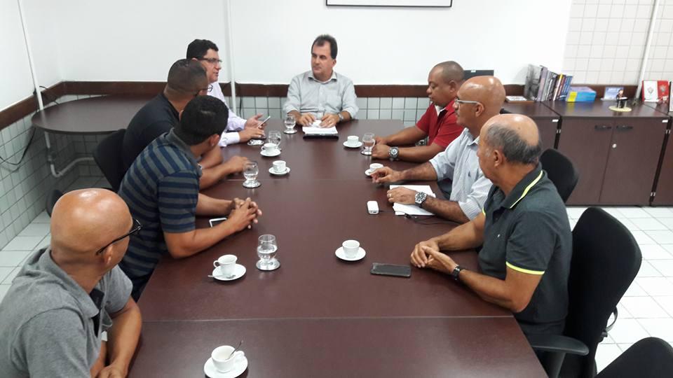 Imagem de Bahia: Rodoviários discutem gratificação de Carnaval com secretário de mobilidade de Salvador