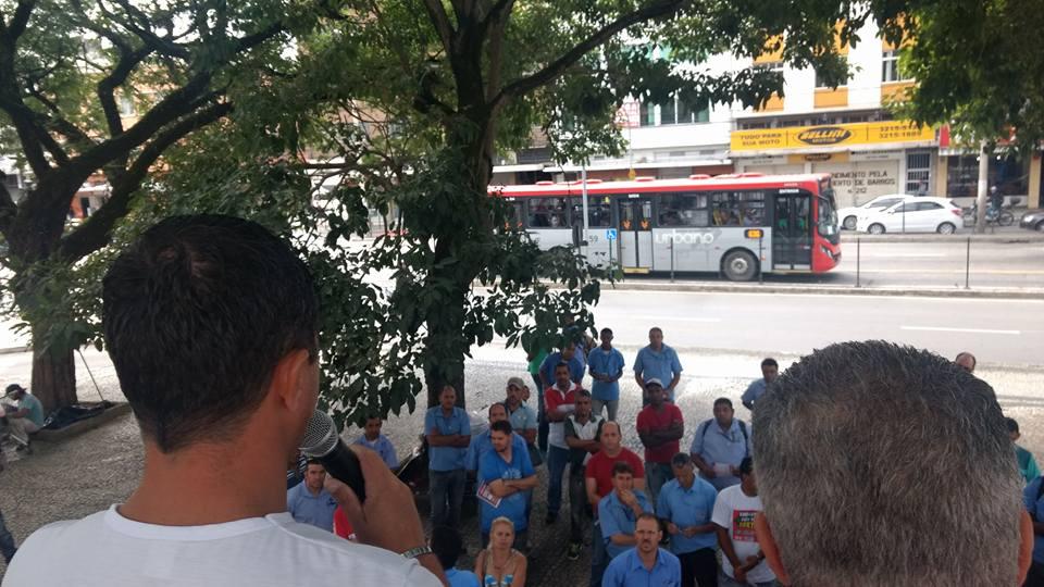 Imagem de Juiz de Fora (MG): Rodoviários aprovam adesão à greve geral em 28 de abril