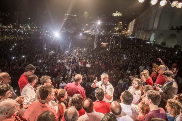 Imagem de RJ: Em grande ato na Lapa, Lula dá nome aos peemedebistas que articulam golpe contra Dilma