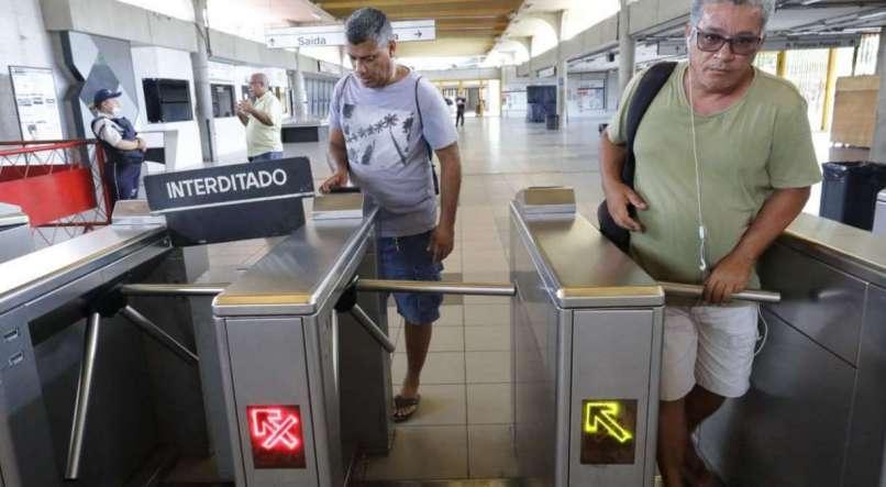 Imagem de Pernambuco:Metroviários ganham liminar para liberar catraca, mas TRT derruba