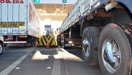 Imagem de Isenção da cobrança de pedágio para transporte de cargas é regulamentada
