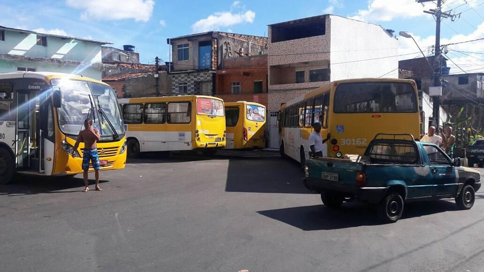 Imagem de Salvador: Rodoviários no bairro Capelinha de São Caetano voltam a circular