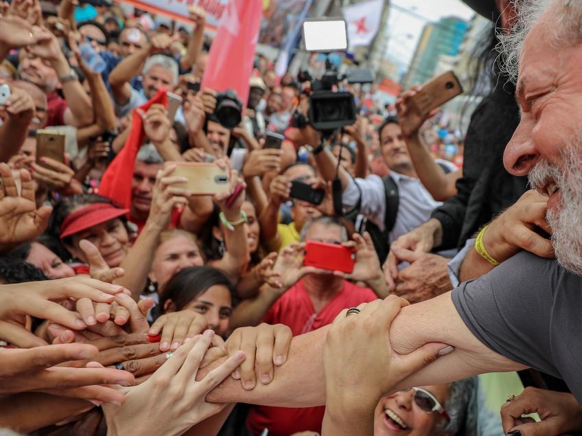 Imagem de Datafolha: Lula lidera disparado no primeiro turno e vence com folga no segundo turno