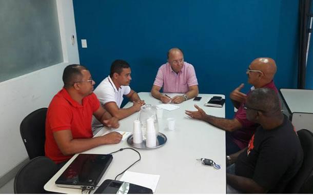 Imagem de Bahia: Rodoviários se reúnem com empresas para tratar descumprimento do acordo coletivo