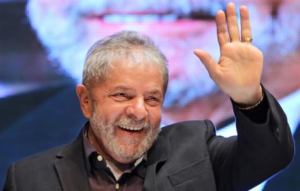 """Imagem de Manifesto """"Eleição sem Lula é Fraude"""" ultrapassa 100 mil assinaturas"""
