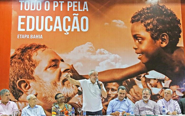 """Imagem de Lula: """"A educação é a ferramenta transformadora deste país"""""""