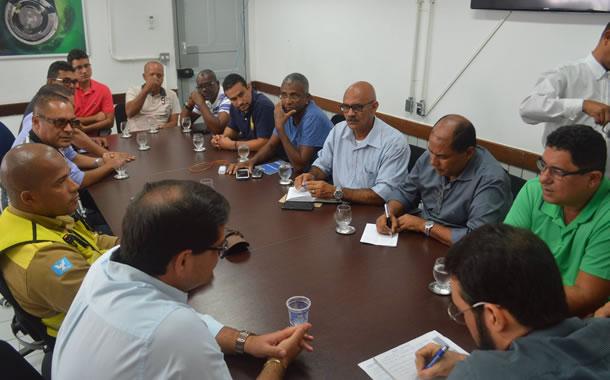 Imagem de Bahia: Rodoviários se reúnem com empresas  para resolver problemas na Estação Pirajá