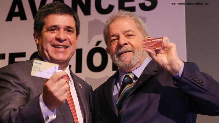 """Imagem de """"54 milhões de brasileiros saíram da linha da extrema pobreza"""", relembra Lula no Paraguai"""