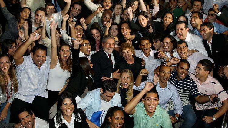 Imagem de Lula abriu a porta das universidades para milhões de brasileiros