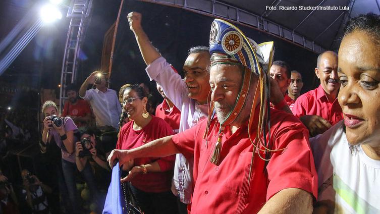 Imagem de Na luta contra o golpe, Lula se reúne com o povo do semiárido