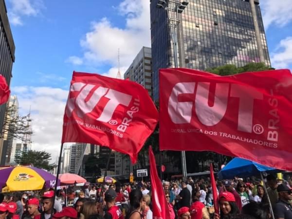 """Imagem de CUT reafirma: """"Não negociamos retirada de direitos dos trabalhadores, muito menos com um governo golpista, ilegítimo e corrupto"""