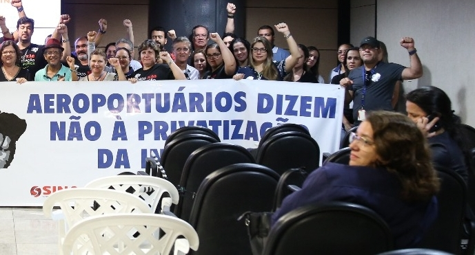 Imagem de Pernambuco: Defesa da Infraero pública  ganha mais apoio e aeroportuários seguem na luta contra privatização