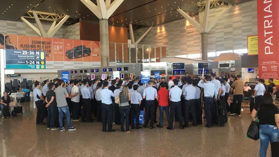 Imagem de Campinas: Pilotos da Azul preparam manifestação em Viracopos no dia 9