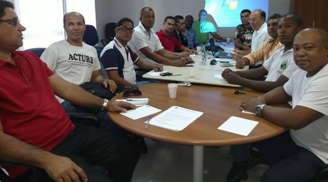Imagem de Bahia: Rodoviários se reúnem com empresas para discutir negociação do PLR