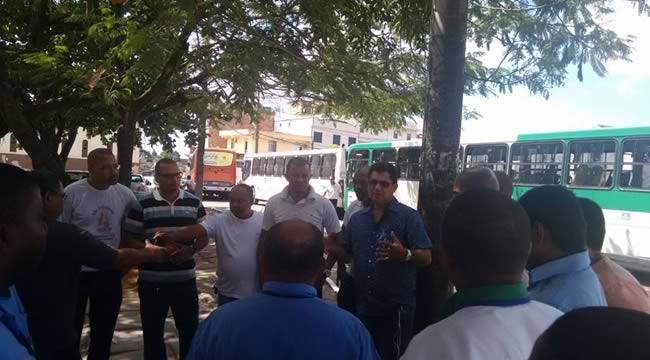 Imagem de Bahia: Rodoviários protestam contra falta de estrutura na linha Mata Escura