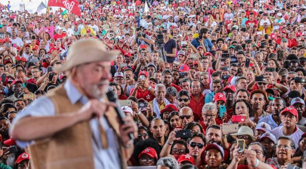 Imagem de DataFolha: Lula vence as pesquisas para 2018 em todos os cenários