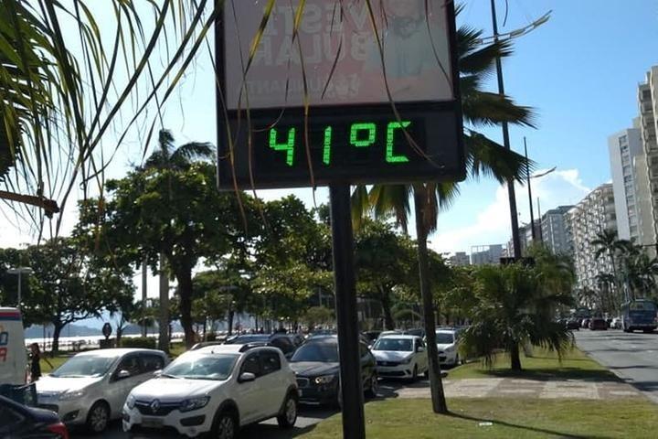 Imagem de Santos: Agentes de trânsito na CET cobram melhores condições de trabalho no verão