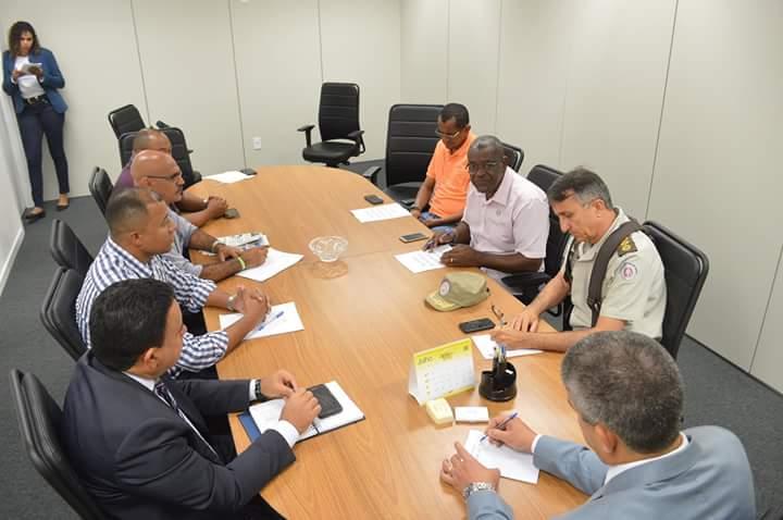 Imagem de Bahia: Rodoviários se reúnem com secretário de Segurança Pública
