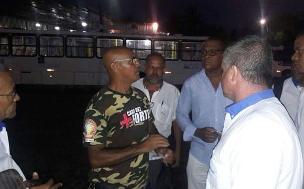 Imagem de Bahia: Rodoviários visitam garagens para tirar dúvidas da categoria