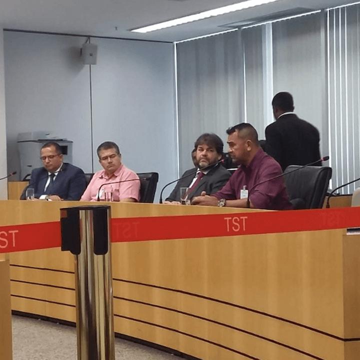 Imagem de Brasília: Aeroviários participam de audiência no TST para discutir cota para deficientes na Swissport