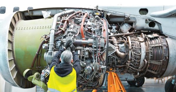 Imagem de Voo Seguro: CNTTL apoia luta da FENTAC em defesa do emprego dos mecânicos de aeronave
