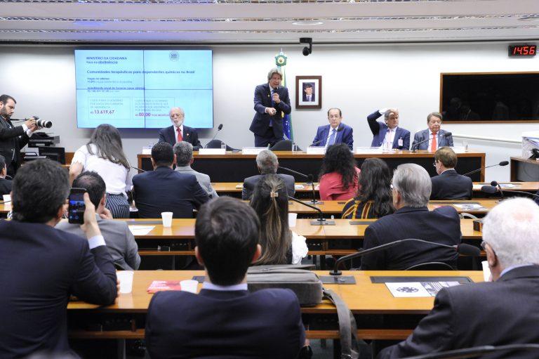 Imagem de Especialistas defendem exame toxicológico para motoristas em audiência pública