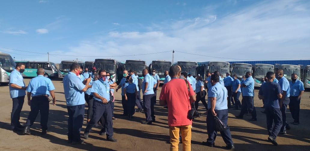 Imagem de Feira de Santana: Rodoviários param transporte urbano contra atraso nos salários
