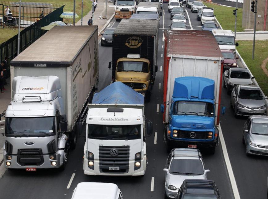 Imagem de STF determina que vale-pedágio é constitucional e um direito dos caminhoneiros