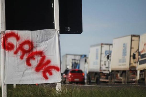 Imagem de CNTTL agradece apoio e solidariedade internacional à greve dos caminhoneiros
