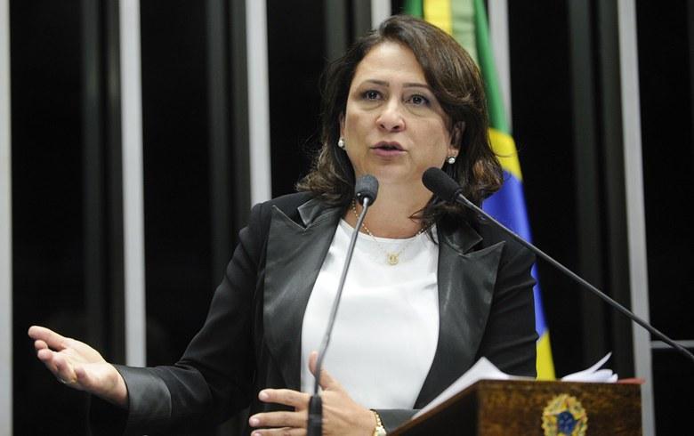 """Imagem de Katia Abreu: """"Impeachment nasceu da vingança sórdida de Eduardo Cunha"""""""