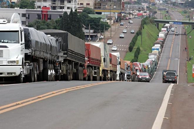 Imagem de 71% dos caminhoneiros são a favor da greve geral do dia 14/6