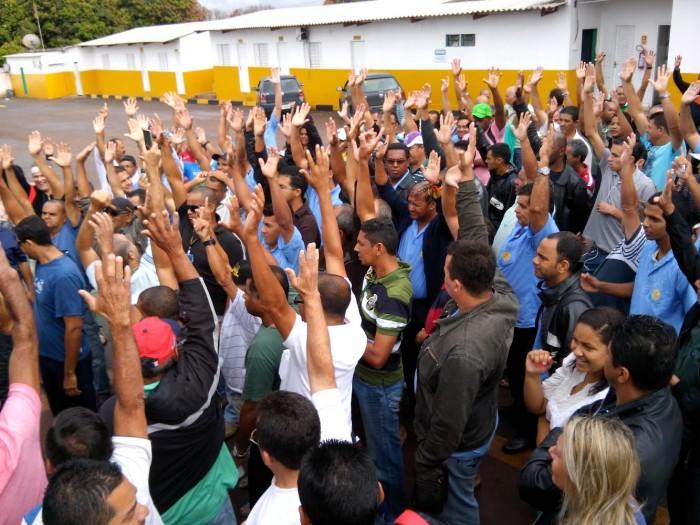 Imagem de Brasília: Sem salário e benefícios, greve dos rodoviários continua firme