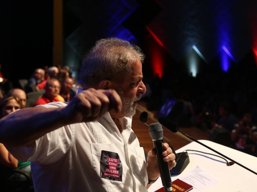 Imagem de Lula dispara: