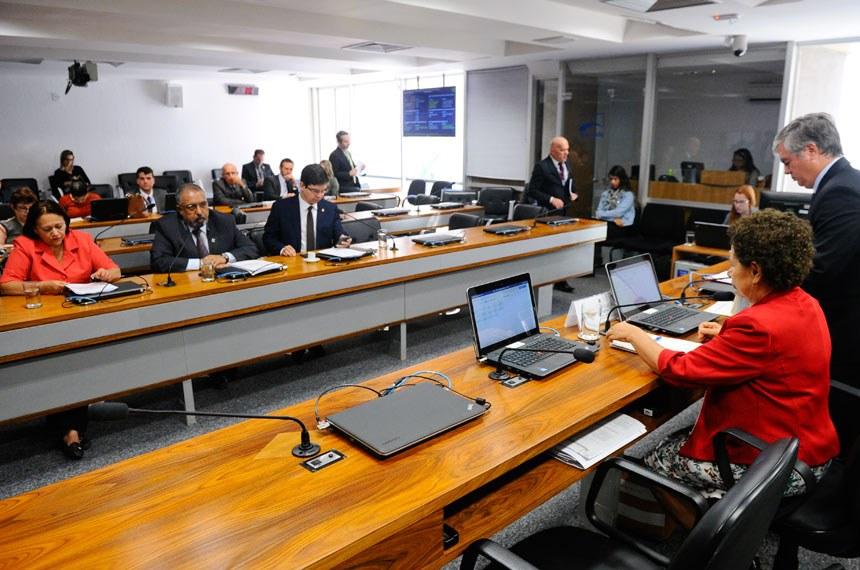 Imagem de Comissão de Direitos Humanos do Senado debate  a situação do setor rodoviário, com foco na greve dos caminhoneiros