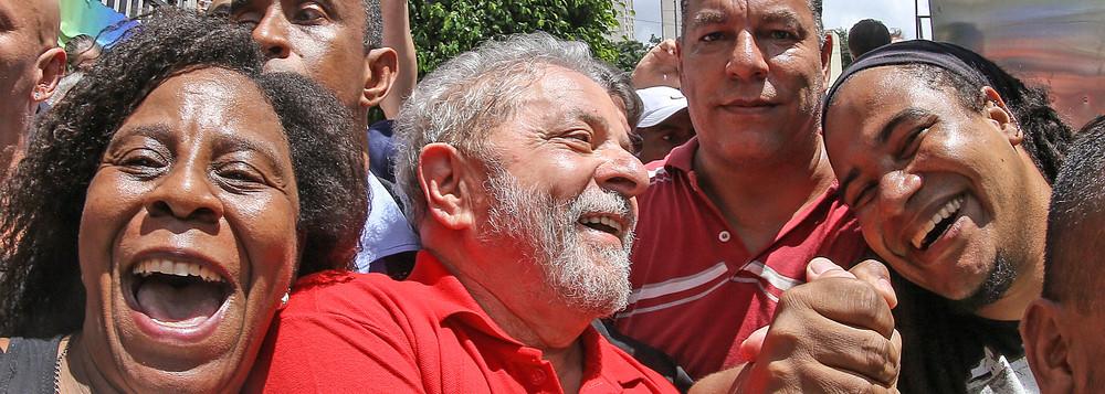 Imagem de Vox Populi: 65% dos brasileiros consideram ação da PF contra Lula  exagerada