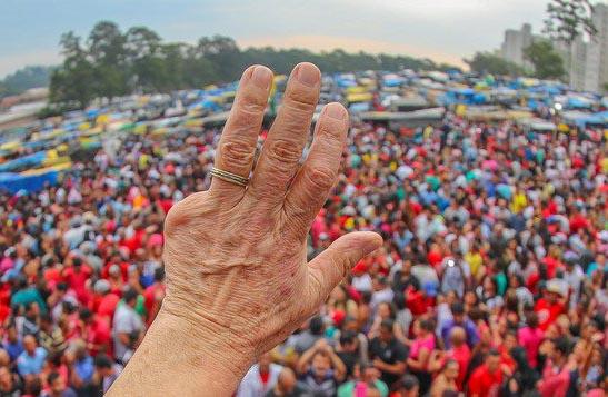 Imagem de Datafolha: Lula lidera entre católicos e evangélicos