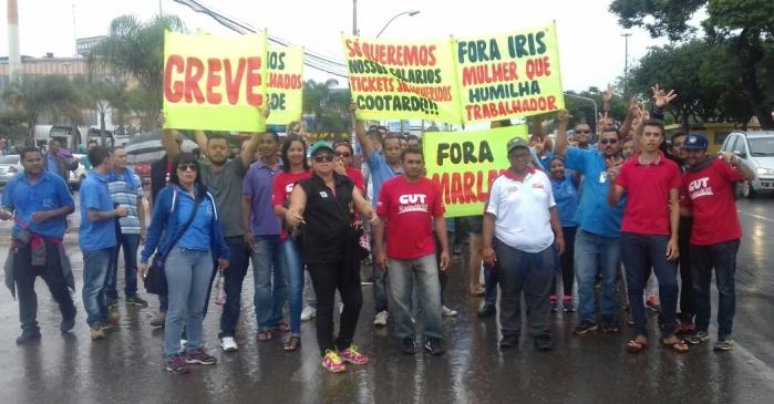 Imagem de Brasília: Sem salário e benefícios, rodoviários na Cootarde fazem protesto