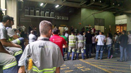 Imagem de Guarulhos:  Em assembleia, aeroportuários decidem entrar em estado de mobilização permanente na luta contra demissões