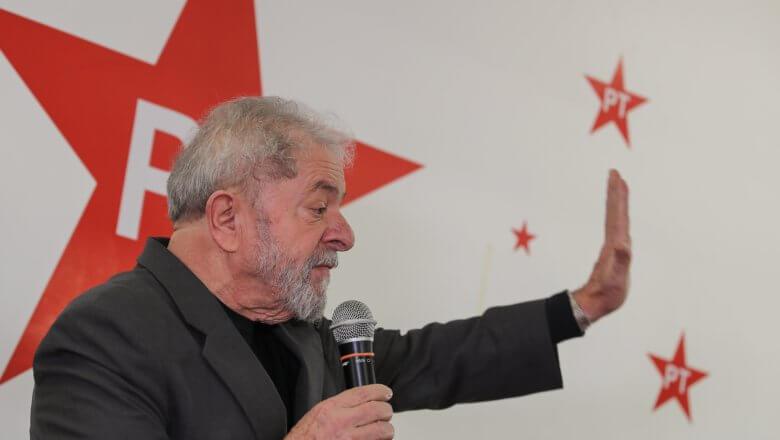 """Imagem de Lula: """"Queremos é eleição direta. Queremos que o Temer saia logo"""""""