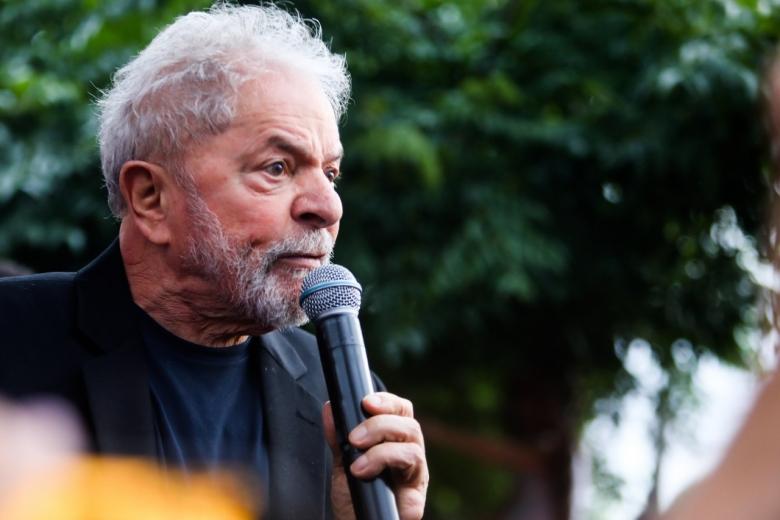 Imagem de Lula para o povo: vocês foram o alimento que eu precisava para resistir