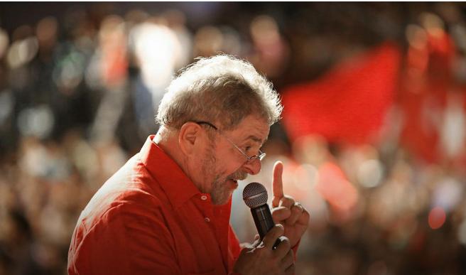 """Imagem de Lula: """"Educação se constrói com diálogo, não com violência"""