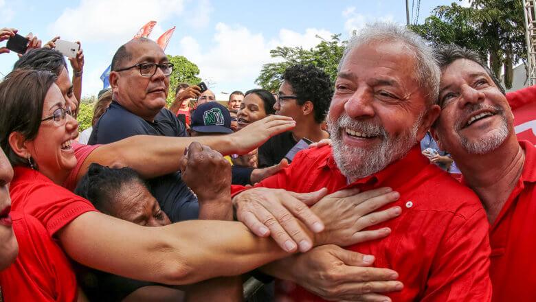 Imagem de Eleitores são gratos aos governos Lula, aponta pesquisa