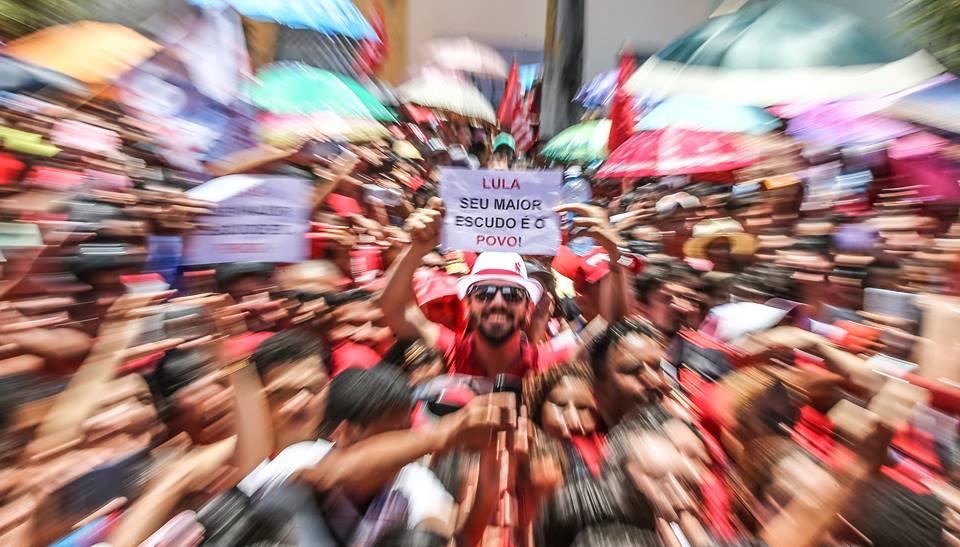 """Imagem de Povo reafirma: """"Estamos com Lula"""""""