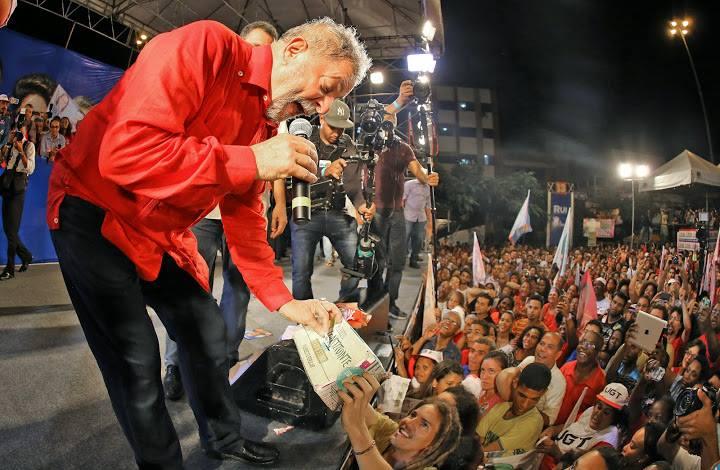 """Imagem de Lula vota """"sim"""" e declara apoio ao Plebiscito pela Reforma Política"""