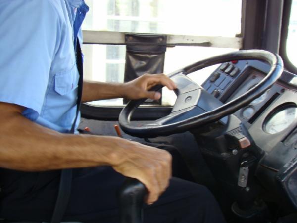 Imagem de Motoristas profissionais poderão ter direito a avaliação periódica de saúde