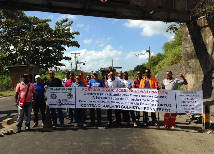 Imagem de Em defesa dos direitos, portuários param por 24 horas em todo o país
